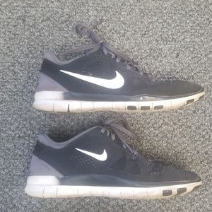 Nike Shoes - Nike free run 5.0 size 7
